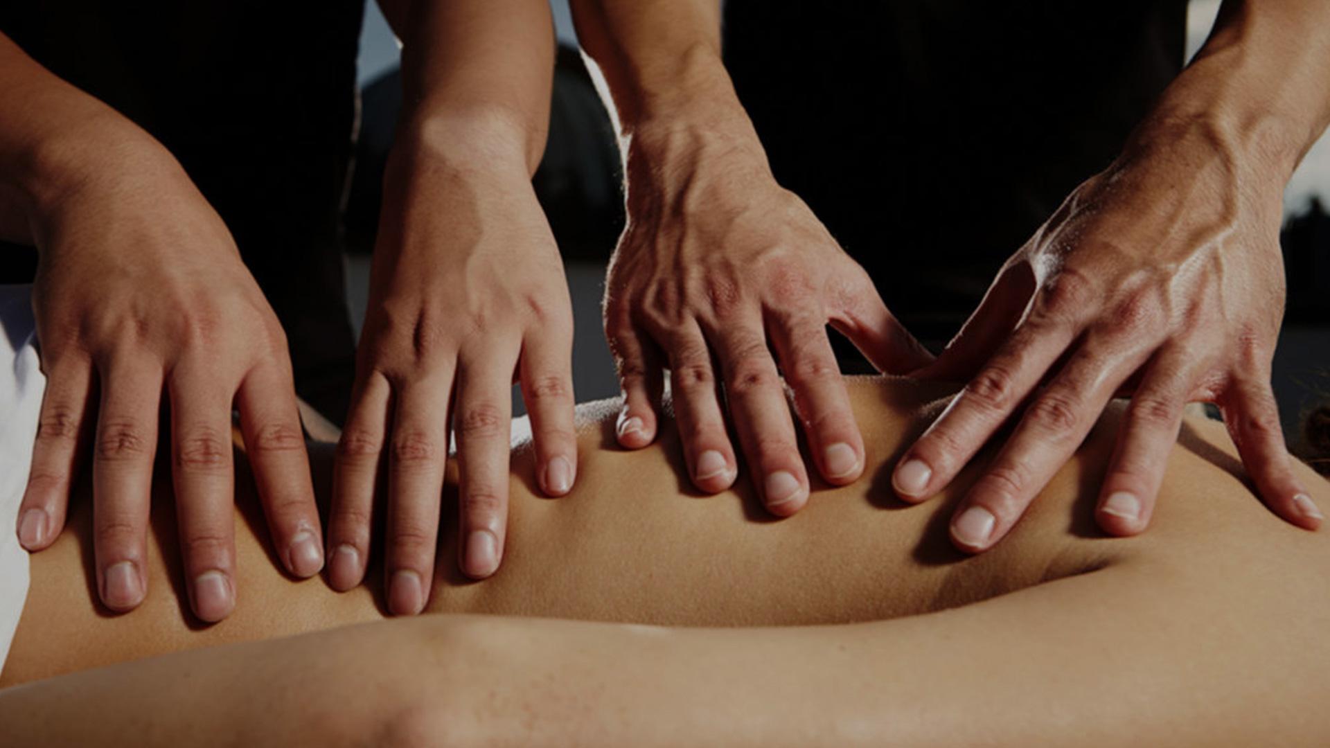 fourhands_massage